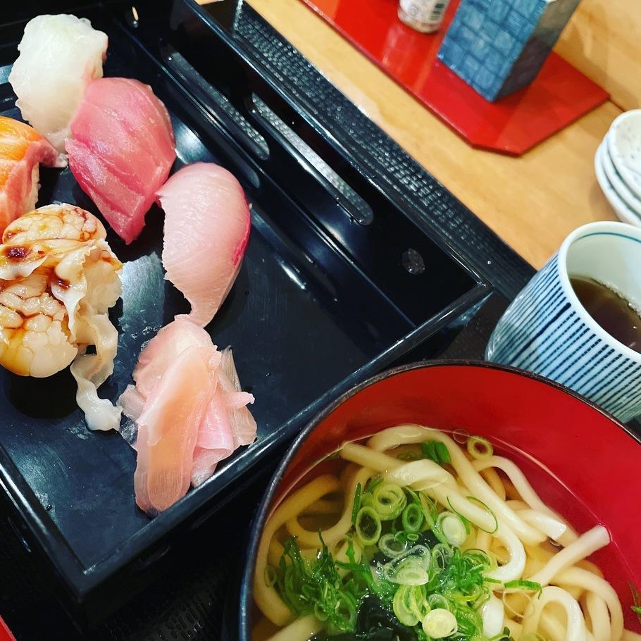 日替わり寿司6種+日替わりミニ麺付き