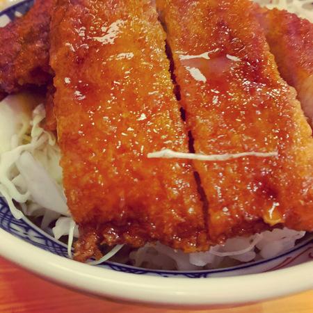 金の粉ソースカツ丼1
