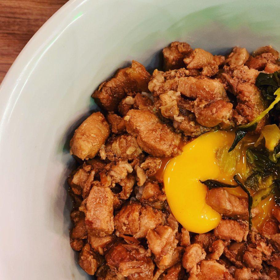 魯肉飯と餃子ランチ