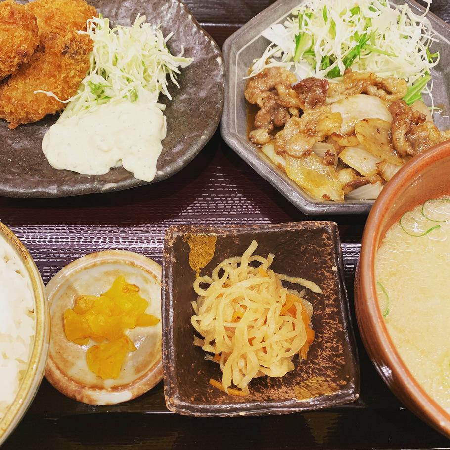 カキフライと牛バラ肉のスタミナ焼膳