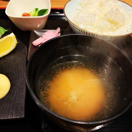 近江お昼のご飯味噌汁おかわり自由
