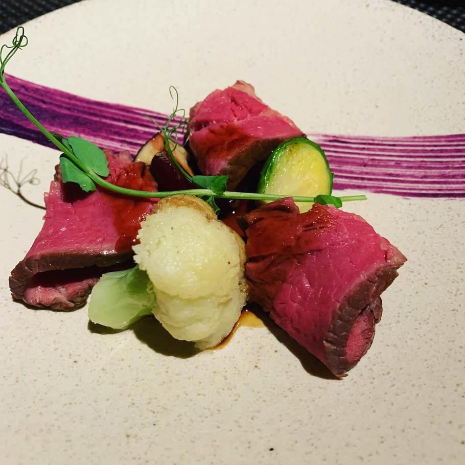 ビーフサーロイン 紫芋 キャンティーワインソース