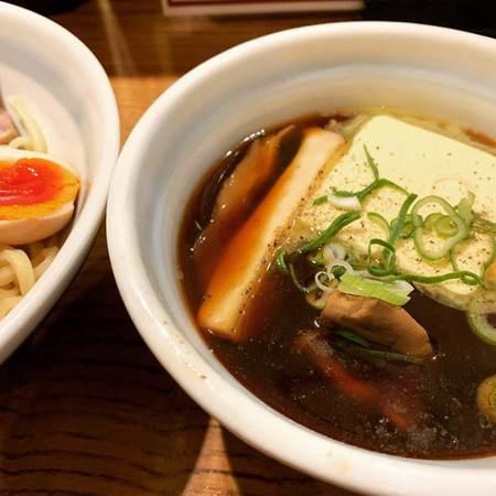 熊五郎醤油豚骨スープ