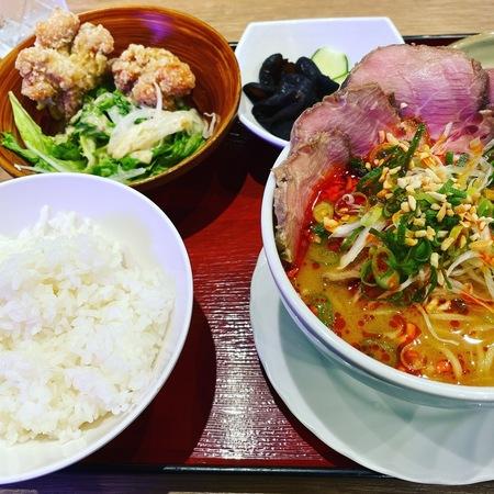 八銭梅田店 担々麺定食