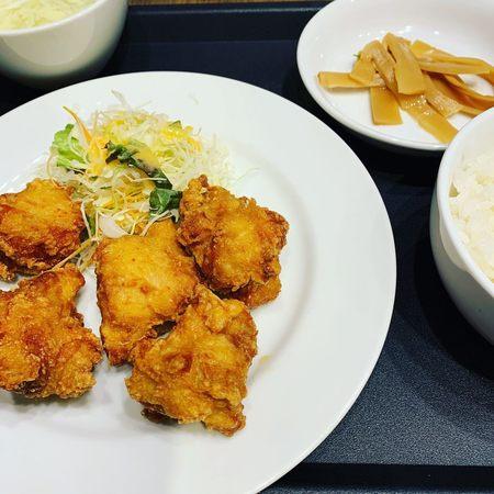 金明飯店東梅田店の唐揚げセット