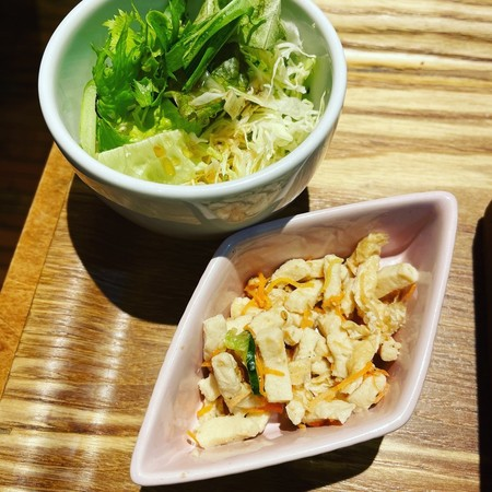 RIVERCAFEサラダと小鉢