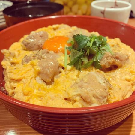 三徳六味お昼の定食 朝びき鶏の親子丼1