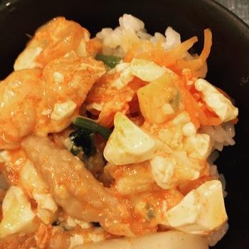 東京純豆腐チーズタッカルビスンドゥブナムルご飯