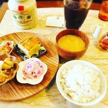 cafe太陽ノ塔本店おそうざいいろいろ定食