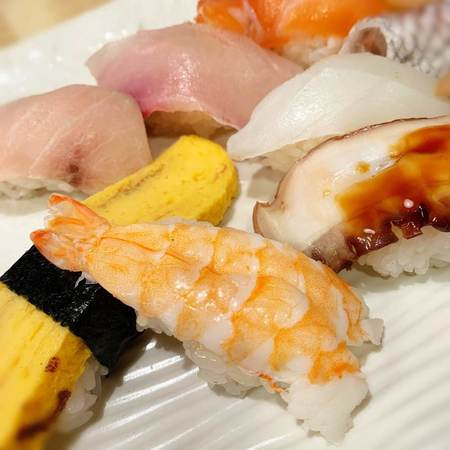 魚心本店満腹定食寿司3