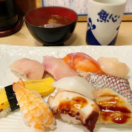 魚心本店満腹定食寿司2