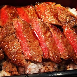 本みやけステーキ重2