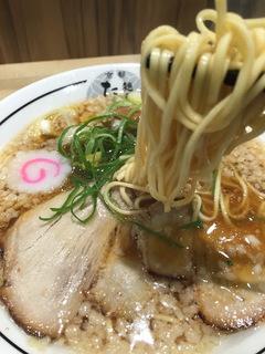 梅田だけ豚骨清湯ラーメン3
