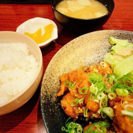 旬菜和酒 味彩 きゅーず 鶏もも唐揚げランチ