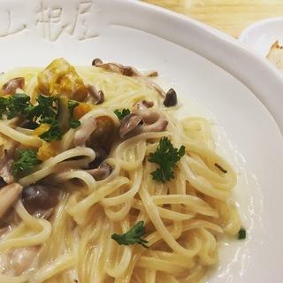 炙りモッツァレラチーズと3種きのこのパンプキンクリームソース