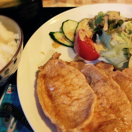 豆吉の自家製ダレ生姜焼き定食4