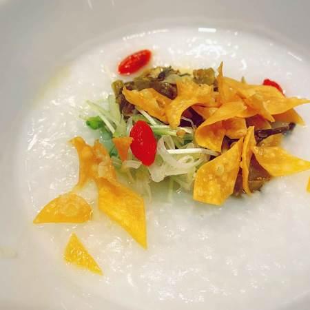 茶青花の高菜湯葉のお粥