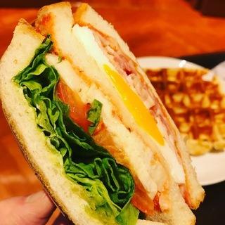 クラブハウスサンドイッチ&ラテ