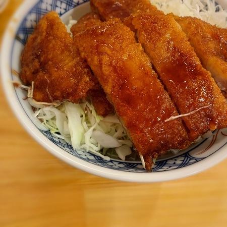 金の粉ソースカツ丼3