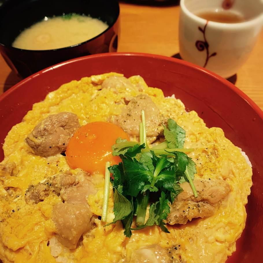 朝びき鶏の親子丼
