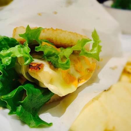 スタンドシャン食餃子ライスバーガー3