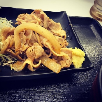 豚生姜焼き定食(並盛)