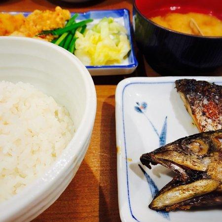 徳田酒店ご飯おかわり自由