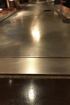 ぼてぢゅう鉄板の光