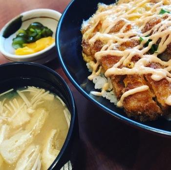 梅よし明太子マヨかつ丼1