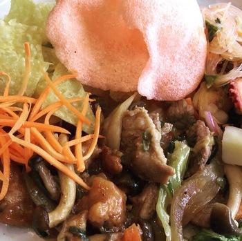 タイ食堂ランチビュッフェ1